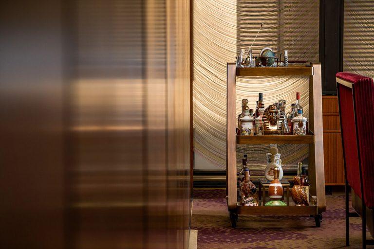 Liquor Cart w Floating Glass