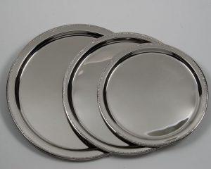 Round Trays